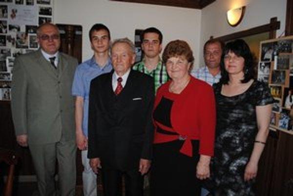 Ján Michančo s manželkou Oľgou, synom Petrom, dcérou Silviou, zaťom Martinom a vnukmi Davidom a Marcelom.