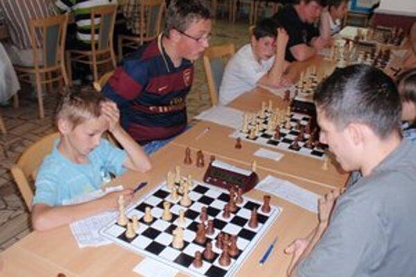 Humenskí šachisti. Družstvá pod značkou Šachy Reinter Humenné.
