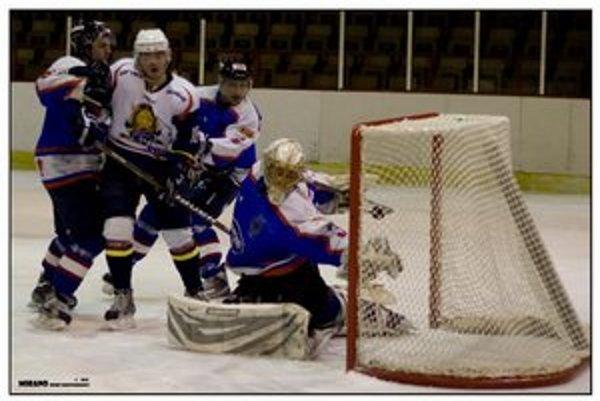 Jeden z piatich humenských gólov do rimavsko–sobotskej brány.