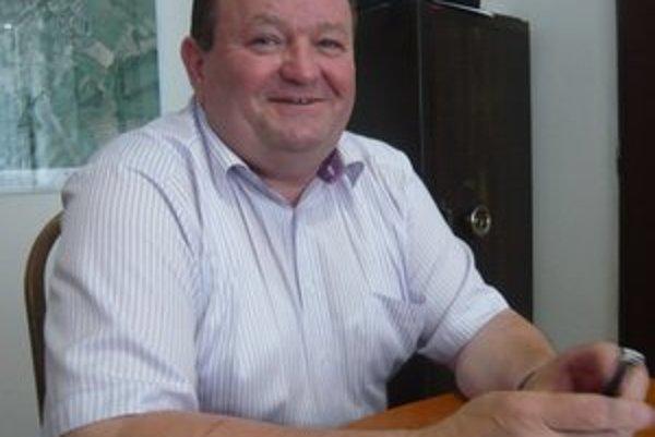 Primátor Ivan Solej. Podľa odborníka na samosprávu mu od júna 2012 patril len základný, nie maximálny plat.
