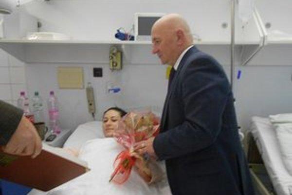 Prvý zápis v tomto roku. Silvia Stebilová priviedla na svet prvorodenú dcéru Sandru. Stala sa prvou tohtoročnou Sninčankou.
