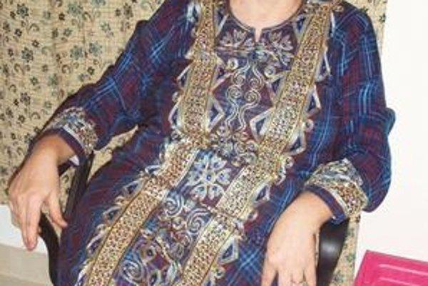 Galabeya. Tak sa volajú šaty, ktoré má Evička na sebe. Je to národný odev, ktorý bežne nosia Egypťanky.