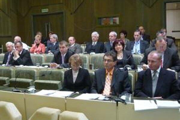 Rokovanie. Poslanci sa podľa schváleného plánu zasadnutí majú stretnúť v stredu 24. februára.