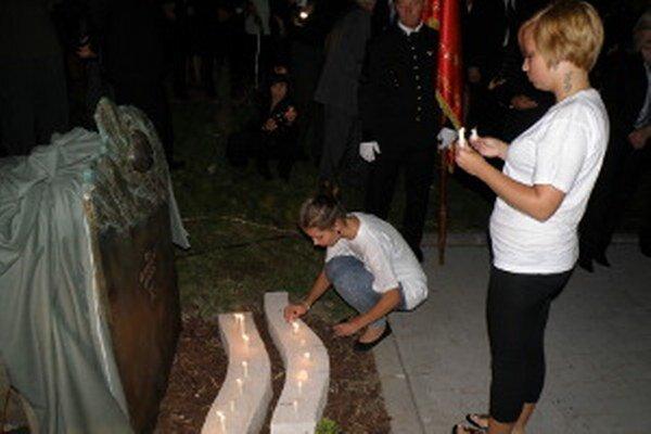 Od roku 2010 pripomína pamätník banské nešťastie z 10. augusta 2009.