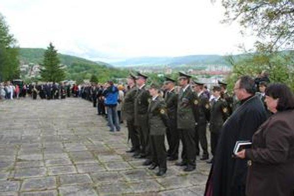 Tradícia. Správca Pravoslávnej cirkevnej obce Peter Humeník odslúžil za padlých vojakov zádušnú omšu.