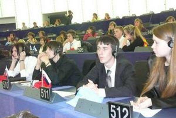 Gymnazisti takto rokovali na pôde Európskeho parlamentu.