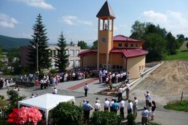 Nový kostol. Je zasvätený sv. Alžbete Uhorskej.