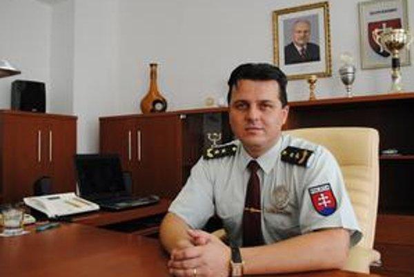 """Podplukovník Ľuboš Kračanský. """"Stotožňujem sa s heslom českej polície Pomáhať a chrániť."""""""