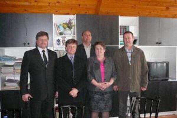 Starostka gminy Stary Dzikow. V Jasenove sa o pokračovaní spolupráce dohodla so starostom Jánom Katkovčinom.