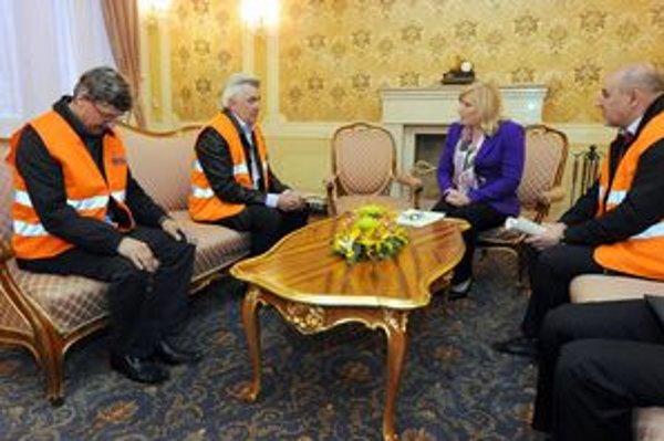 S odborármi rokovala v stredu premiérka.