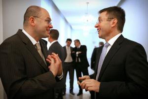 Predseda parlamentu a šéf SaS Richard Sulík (vľavo) si s ministrom financií Ivanom Miklošom (SDKÚ) zjavne porozumel.