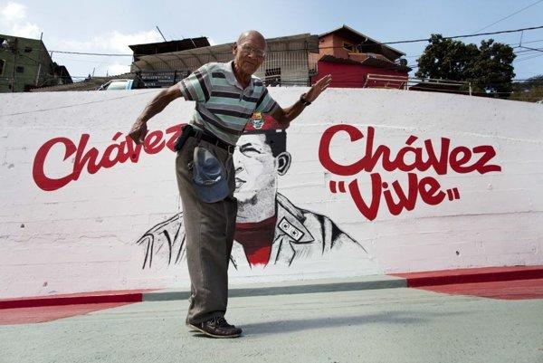 Venezuelský socializmus Huga Cháveza nepočítal s poklesom cien ropy ani s tým tým, že rozdávanie nemôže byť nekonečné.