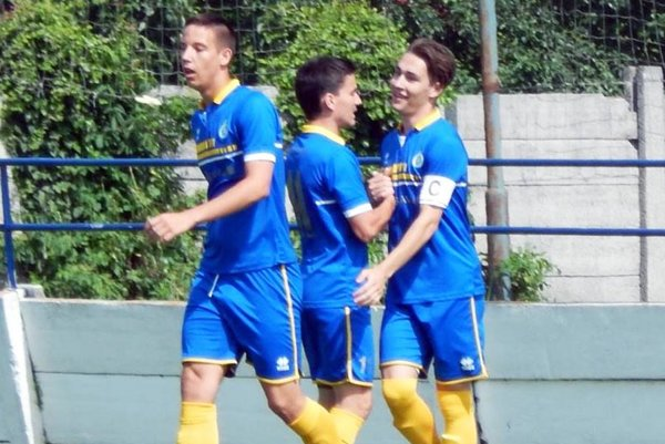 Adrián Grebáč (na snímke vľavo) sa stane hráčom DAC Dunajská Streda.