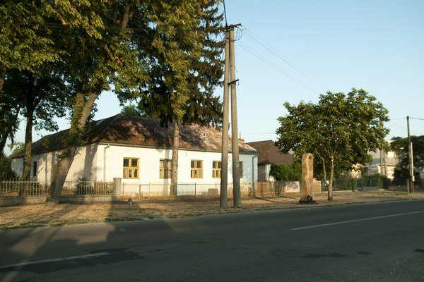 Obec sa stala súčasťou michalovského panstva. Patrila  šľachtickému rodu Nagymihály.