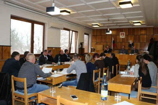 Mestské zastupiteľstvo v Sobranciach. Do budúceho roka plánujú zhruba 10 projektov.
