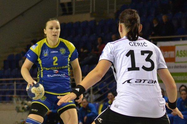 Exspoluhráčky si zahrali proti sebe. Julia Kucherová zvádzala súboje aj sLaurou Geričovou.