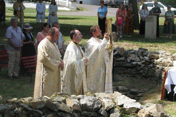 Staroslovienska liturgia. Konala sa na mieste, kde sa nachádzajú pozostatky rotundy - najstaršej cirkevnej stavby v Michalovciach.