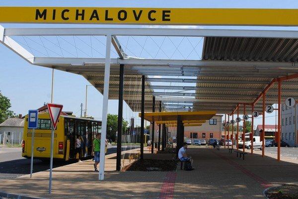 Nová autobuska je v prevádzke od 1. júla. Náklady na výstavbu dosiali 600-tisíc eur.
