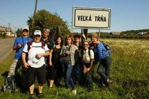 Michalovskí turisti. Spoznávali vinice, tradície, ale aj pivnice v tokajskej vinohradníckej oblasti.