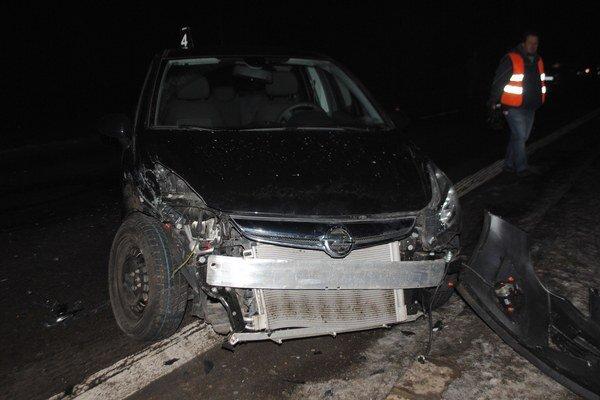 Farárovo auto. 39-ročný kňaz vyšiel z hrozivo vyzerajúcej nehody bez jediného škrabanca.