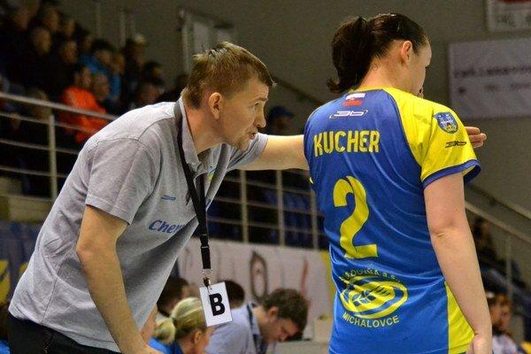 Tréner Petrovskyj sa musel porúčať. Julii Kucher už dakto dohovárať nebude.
