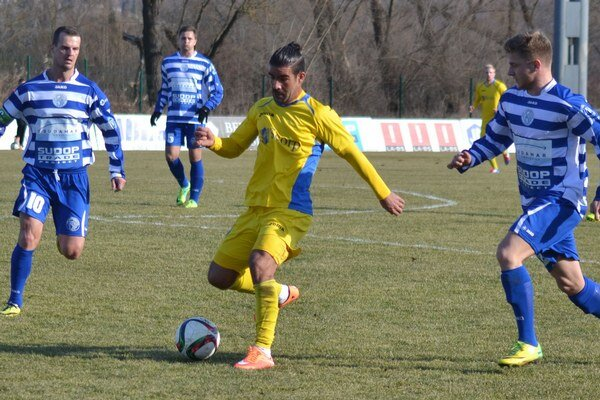 Prvý jarný súboj Michalovciam nevyšiel. Košická Lokomotíva ich na svojom trávniku porazila najtesnejším rozdielom.
