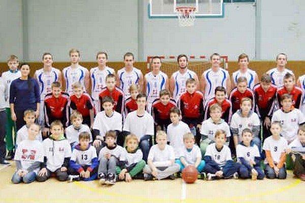 Poctivá práca s mládežou prináša 1. BK prvé ovocie. Mladší žiaci si vybojovali účasť na majstrovstvách Slovenska.