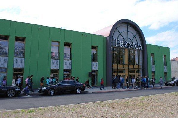 Zrekonštruovaná Tržnica. Širokej verejnosti bude prístupná od 25. mája. V objekte sa nachádza 39 prevádzok.