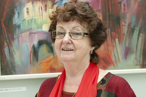 Zemplínska maliarka Ľudmila Lakomá – Krausová. Vo svojej tvorbe používa pestrú škálu výtvarných techník a farieb.