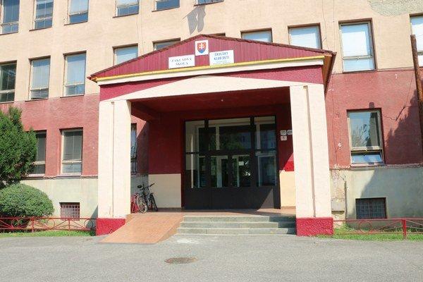 Budova na Moskovskej ulici. Od roku 1962 sa v škole nerobila celková rekonštrukcia.
