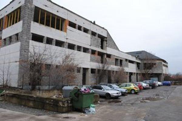 Tržnica. Nehnuteľnosť predalo mesto v roku 2008 za vyše 600-tisíc eur. Vlastník sa ju teraz snaží predať.