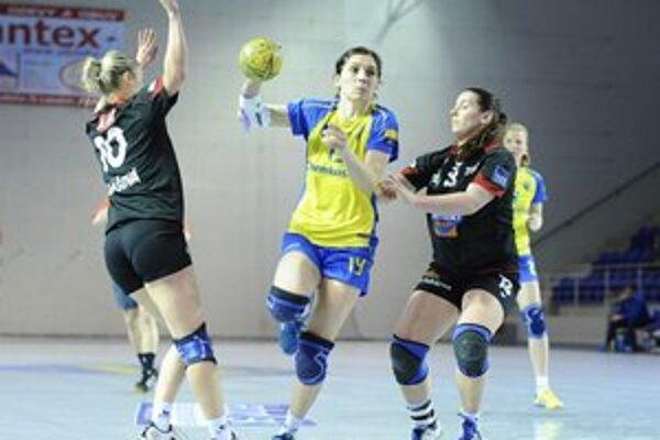 Lucia Tobiašová s družstvom štartuje cestu za titulom.