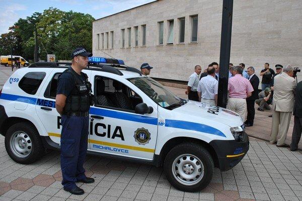 Nové sídlo. Mestská polícia v Michalovciach už sídli v nových priestoroch na Námestí osloboditeľov.