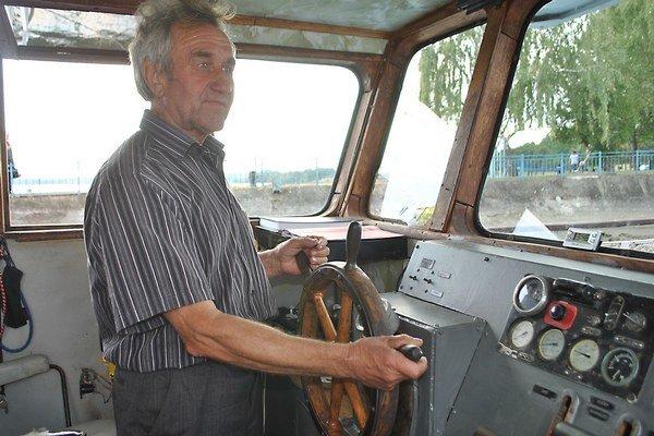Michal Lazár. Ako kapitán výletných lodí pracoval na Zemplínskej šírave tri desaťročia.