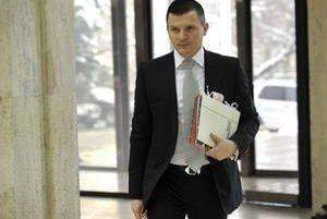 Exminister Počiatek Miklošovým slovám o šetrení neverí.
