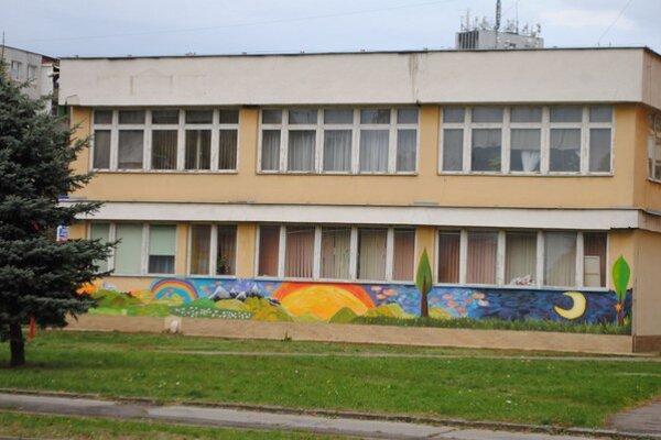 Základná umelecká škola.Počtom detí patrí medzi najväčšie na Slovensku.