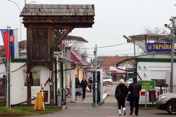 Situácia na slovensko-ukrajinskom hraničnom priechode Veľké Slemence - Mali Selmenci je pokojná.