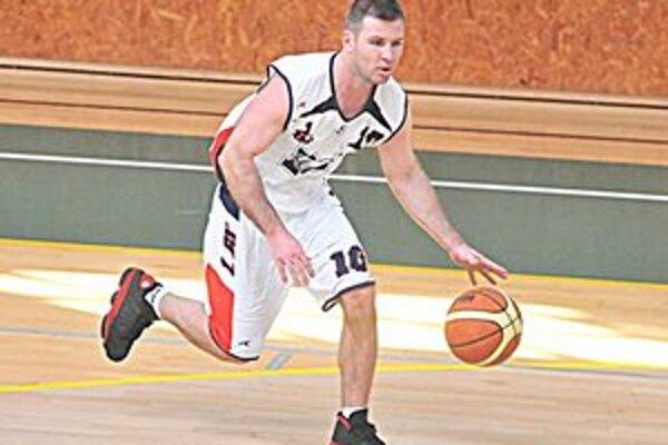 Hrajúci tréner 1. BK Roman Rakovský. S mužstvom obsadil po základnej časti druhú priečku.