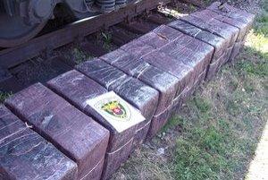 Cigarety pašovali na naše územie po železnici z Ukrajiny.