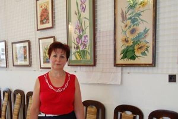 Emília Dzvoníková vyšíva už dvadsať rokov.