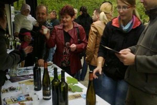 Ochutnávka vín. Návštevníci mali možnosť ochutnať to najlepšie z regiónu.