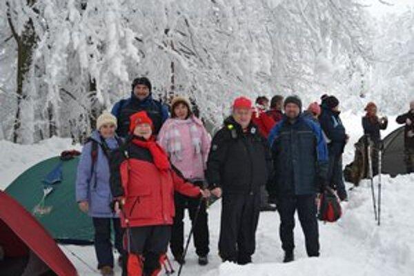 Michalovskí turisti absolvovali pešie túry na Kysuciach.