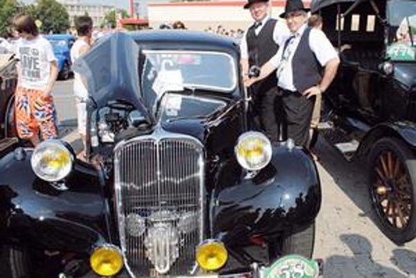 Veterán rallye. Novinkou bol Citroën 11 BN z roku 1948, ktorého majiteľmi sú Mikuláš Koščo a Jozef Makohus.