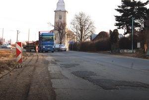 """Viacerí vodiči považujú kopec Trhovište za najhorší úsek cesty na Ukrajinu. Autobusári ho volajú """"samajama""""."""