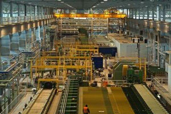 Valcovňa. Prebiehajú tu skúšky, ktoré overia funkčnosť technológie. Oceliareň začne čoskoro vyrábať.