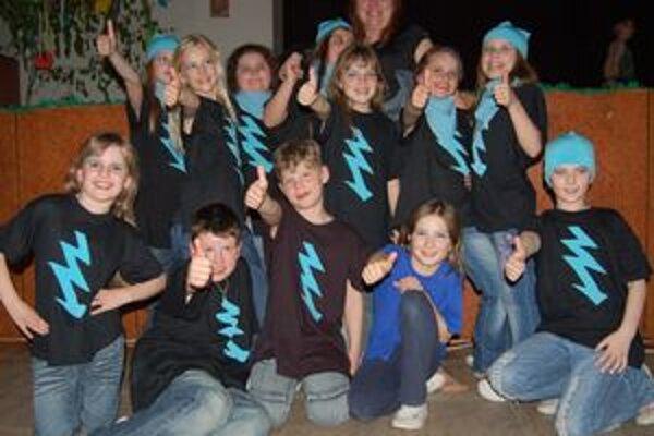 Deti z Marsu. Boli po vyhlásení víťazov šťastné ako blchy.