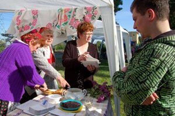 Špeciality. Sprievodnou atrakciou sú ochutnávky tradičných jedál, špecialitami prispejú aj zahraniční Slováci.