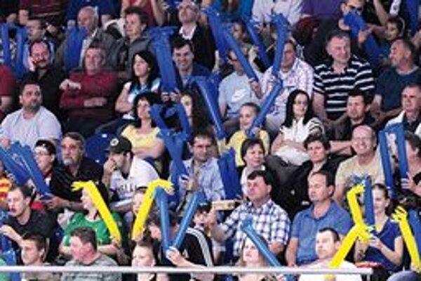 Divácke suveníry sa tešia veľkej obľube. Fanúšikovia budú obdarení pred oboma zápasmi.