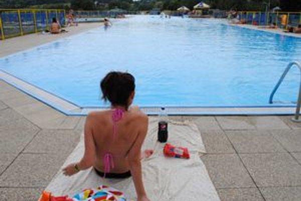 Stredisko Kaluža. Bazény na Šírave otvorili skôr. Rekreantom sú k dispozícii už od piatka.