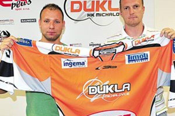 Dvojica posíl michalovskej Dukly. Miloš Bednár (vľavo) a Miloš Paľovčík.
